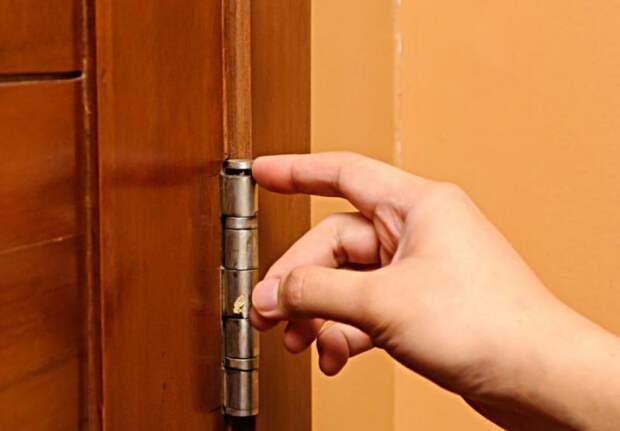 Как решить проблему «скрипучих» дверей и ящиков: 3 проверенных метода