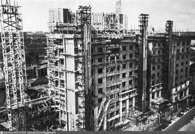 Строительство здания Совета труда и обороны