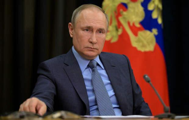 Путин: российские вакцины надежны, как автомат Калашникова