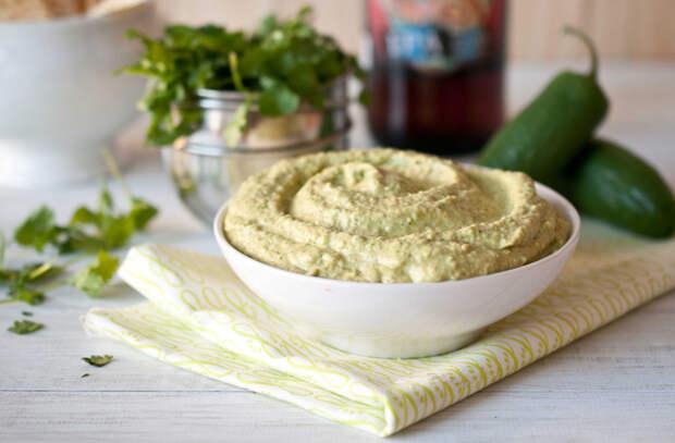 Смешали вареный нут с лимонным соком: делаем за 5 минут хумус на замену маслу