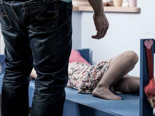 Парень три часа резал и избивал 23-летнюю студентку в Кемерово