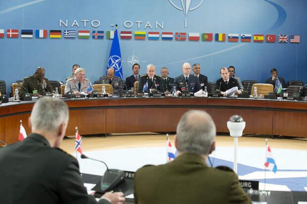 Военный комитет НАТО обсудит эвакуацию войск из Афганистана
