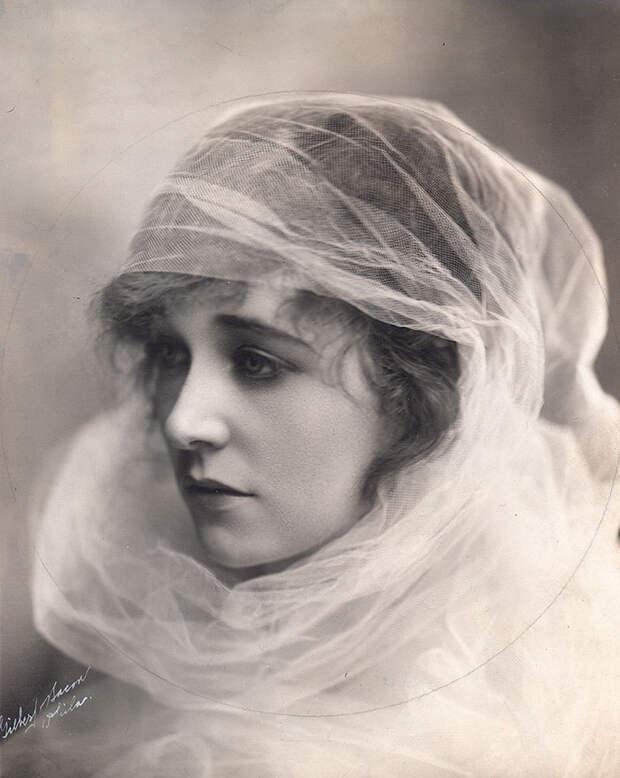 Самые красивые женщины 1900-х годов 9