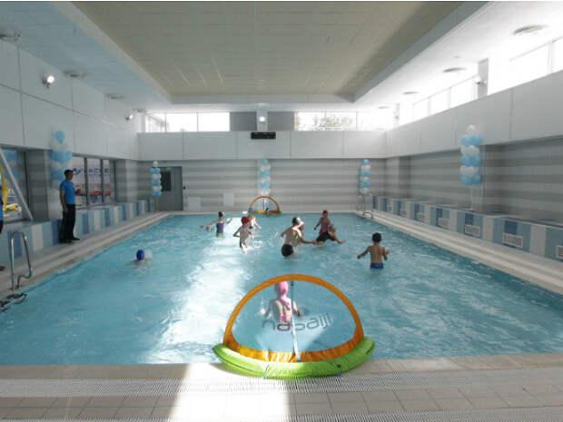 Задержана владелица бассейна в Ижевске, где отравились во время купания восемь детей