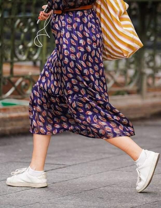 Подбираем обувь к юбке-миди: самые подходящие модели для любого случая