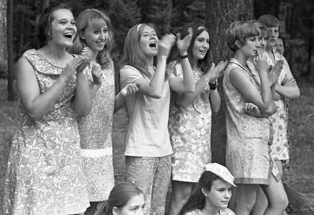 Как одевалась и как выглядела молодежь 70-х в СССР