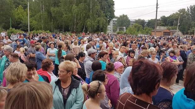 Под Пензой 1,5 тысячи человек потребовали задержать цыган после массовой драки
