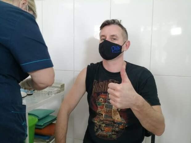 Сергей Жадан сделал прививку от Ковид-19