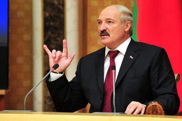 Лукашенко считает невозможным разрыв братских связей Беларуси, России и Украины (ВИДЕО)