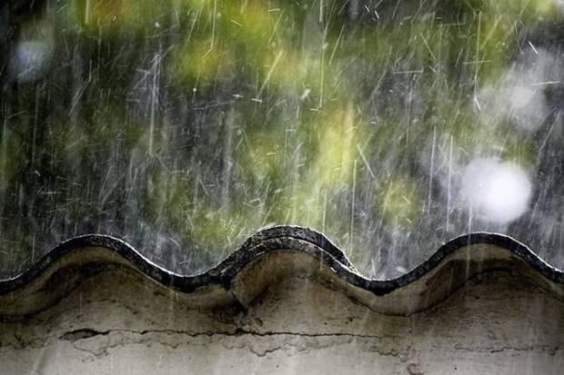 Фонд капремонта не успел сделать сорванную ураганом крышу дома в Борзе до весенних дождей