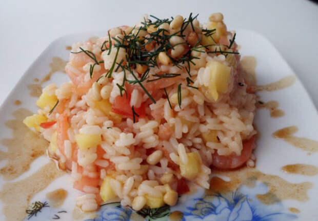 salat-vavilon-s-krevetkami-i-ananasami