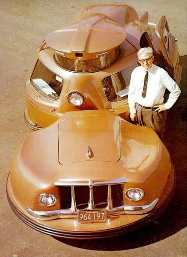 Оригинал взят у mysea в Самая безопасная машина Это прототип самого безопасного автомобиля, представленный на Всемирной ярмарке 1958 года. Двухсекционный кузов должен был гасить удар при столкновении. Sir Vival, 1958 авто, автомир, интересное, монстры, странные
