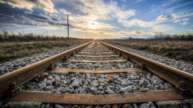 Житель Мордовии попал под пассажирский поезд