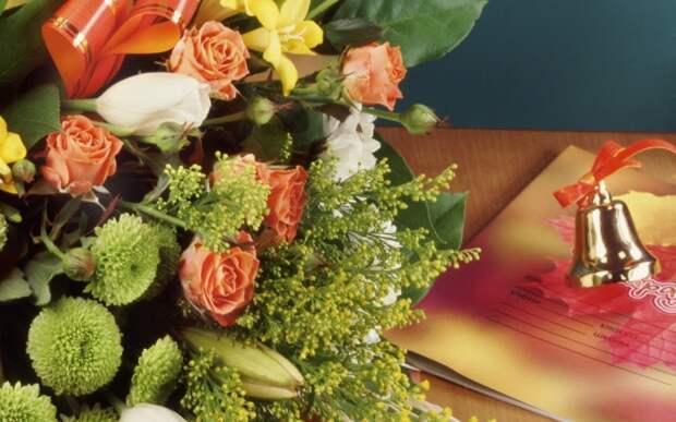 Какие цветы выбрать на последний звонок