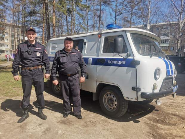 Двух грабителей задержали в Ангарске при попытке сдать украденный телефон в комиссионный магазин