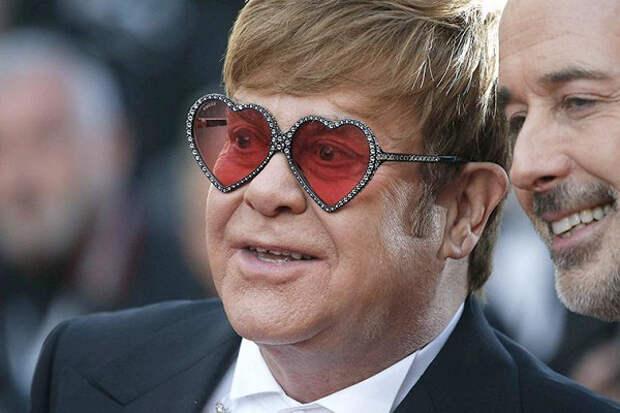 Элтон Джон заработал £65миллионов насвоем прощальном туре, несмотря наегоотмену