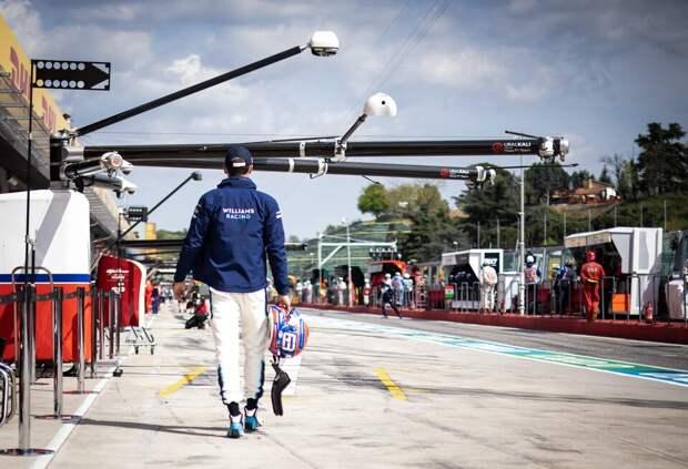 «Окажешься в Кубке Renault Clio, а не в Mercedes». Тото Вольф пригрозил Расселу после аварии