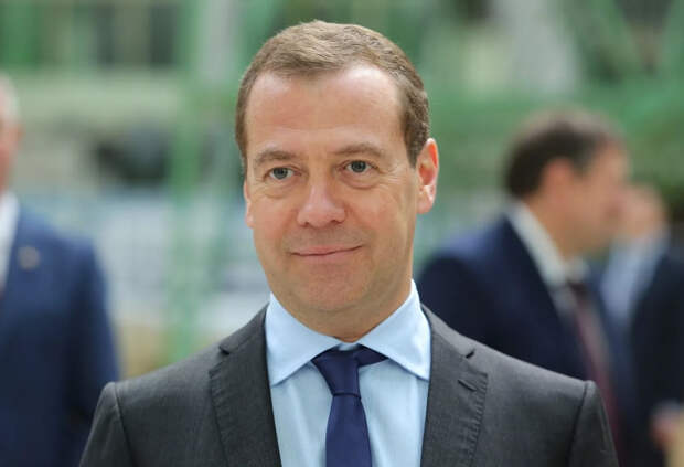 Дмитрий Медведев призвал переименовать полицию в милицию