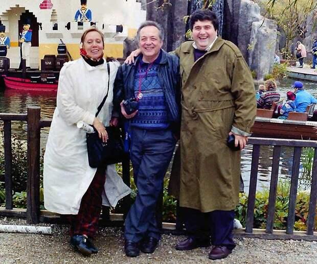 Светлана Прудовская, Виктор Прудовский и Георгий Галустьян в «Леголенде» (1993).