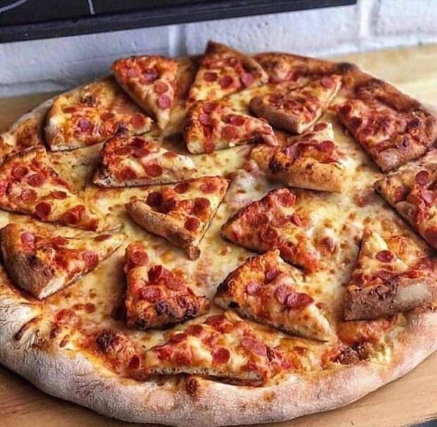 Пицца из маленьких пицц