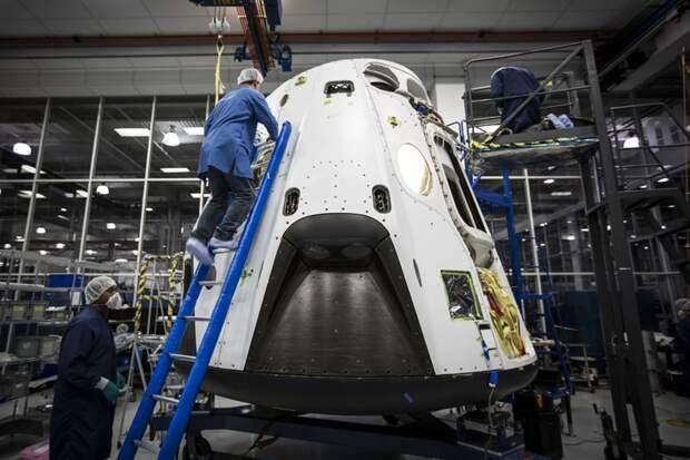 Разработка Dragon 2 компании SpaceX