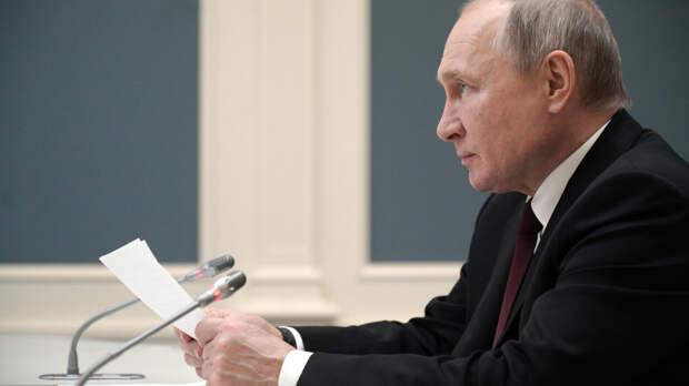 В Кремле рассказали, когда будет принято решение об участии Путина в саммите по климату