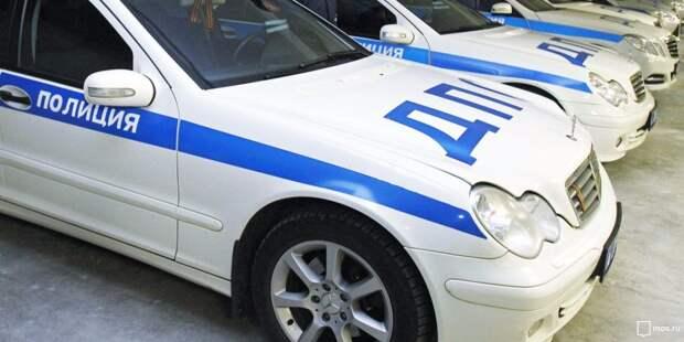Автоледи врезалась в дерево на Ленинградке