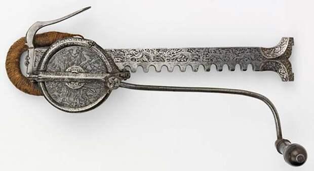 5. Деталь арбалета. Дерево - сталь - канат. Южная Германия, примерно 1565 — 1574 г. искусство, история, факты