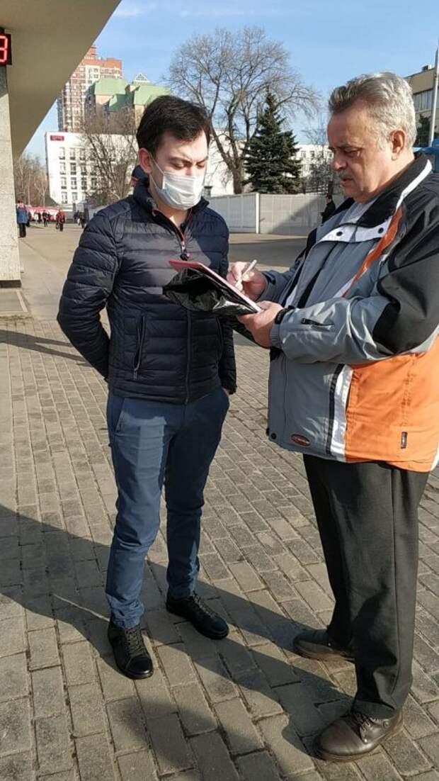 Инспекторы ГИБДД будут проверять наличие пропусков на въездах в Москву