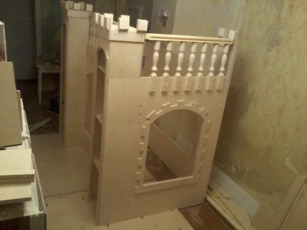 Кровать замок (26 фото)