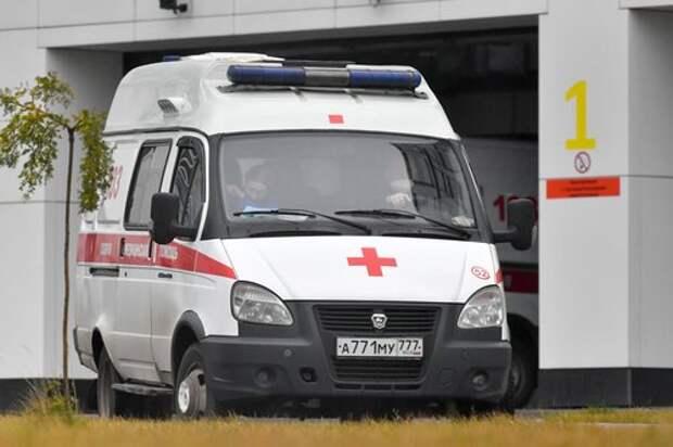 Житель Беломорской после падения в сугроб с 18-го этажа попал в реанимацию