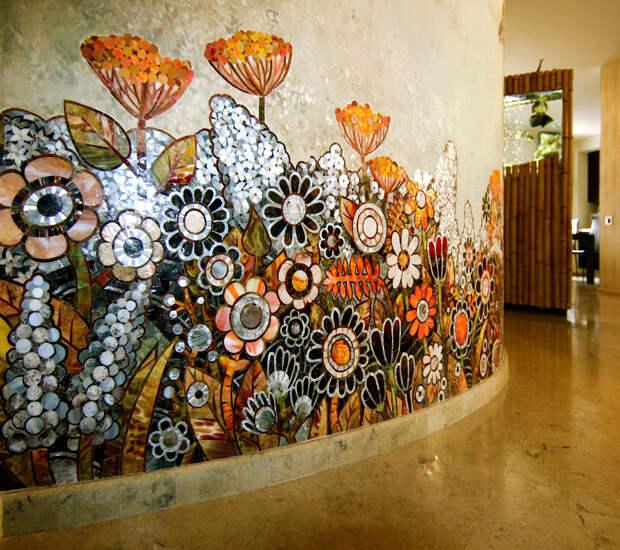 Фрагмент мозаичной композиции с цветами