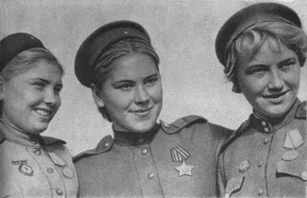 Снайперы Фаина Якимова, Роза Шанина, Лидия Володина
