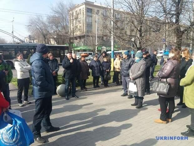 В Запорожье торговцы митингуют против карантина