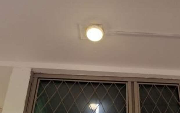 На фасаде дома на Новгородской восстановили освещение