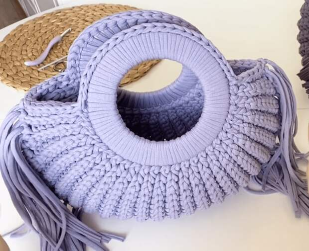 Эффектное дополнение к вашему гардеробу: делаем стильную сумочку-ракушку