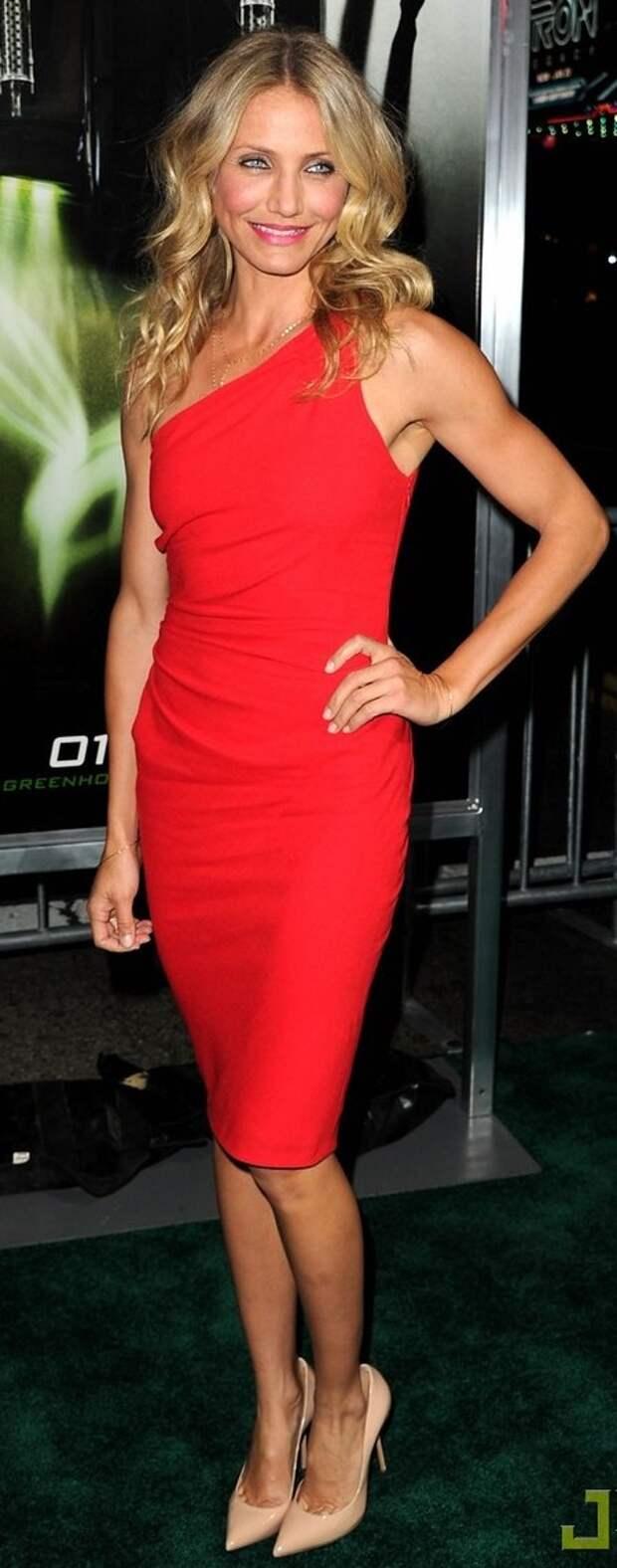 Cameron Díaz red dress