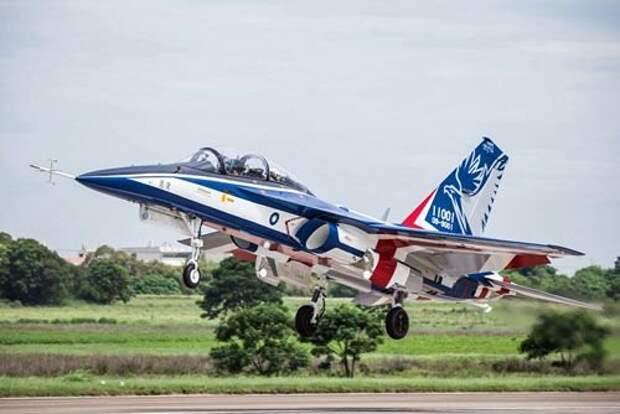 Тайваньский XT-5Yong Yinвпервые поднялся ввоздух