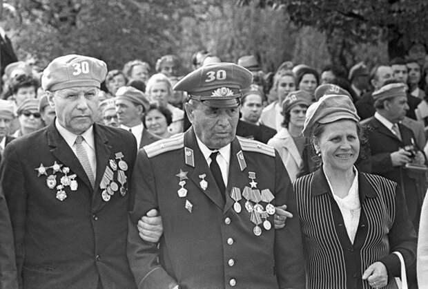 Почему на героя Бреста майора Гаврилова приезжали смотреть немецкие офицеры