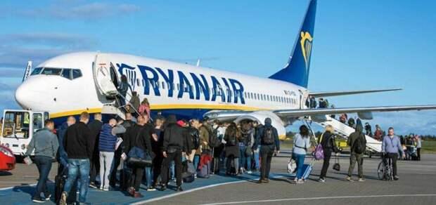 Пилот запретил украинцам подниматься в самолет