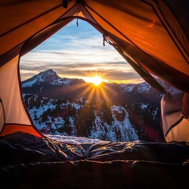 А эти рассветы... они просто бесподобны! альпинизм, горы, зима, палатка, пейзаж, рассвет, снег, туризм