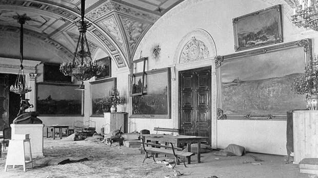 Зачем Сталин распродавал царские сокровища