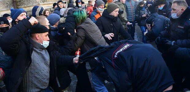 Осевший в Киеве Киселев провоцирует навальнистов на уличное насилие