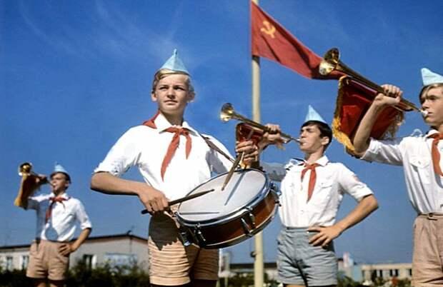 «Всегда готовы!»: какую роль сыграла пионерия в истории СССР