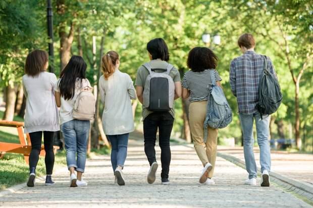 Почему молодежь менее патриотична: общемировое исследование