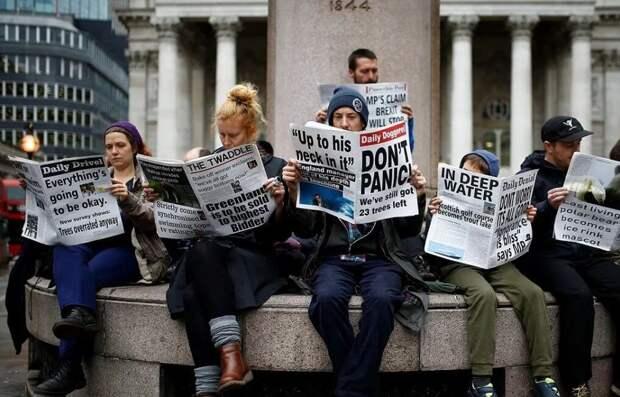 Британская пресса в недоумении, почему в России не получается цветная революция