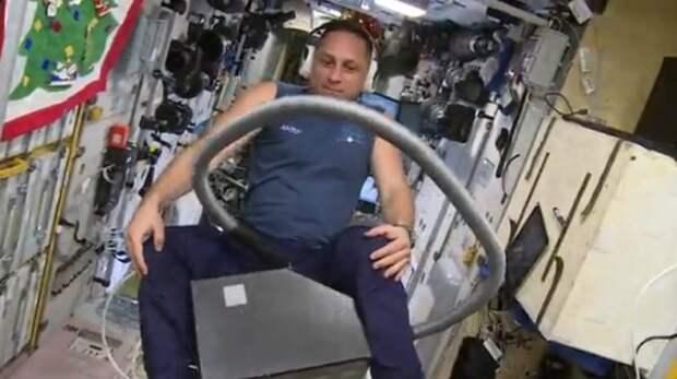 Поехали! С Днём космонавтики