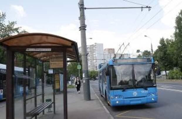 В Останкине пассажирка автобуса стала жертвой мошенницы