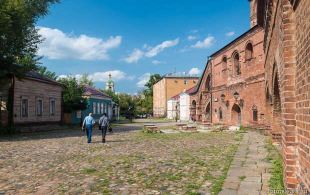 Древняя улица в центре Москвы