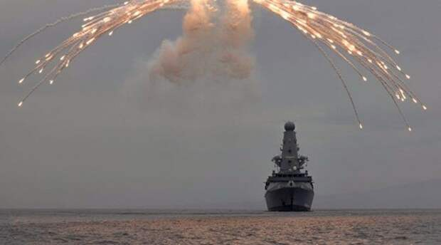 Сенатор от Крыма оправдала действия российских бомбардировщиков в отношении британского эсминца
